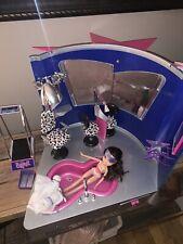 Bratz Stylin' Salon 'n' Spa Play Set 2002 with Dana and accessories