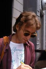 JOHN LENNON 1980 SIGNING AT DAKOTA (1) RARE 8x10 PHOTO