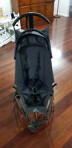Quinny Yezz baby stroller pram in excellent condition