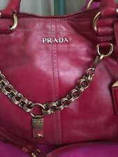 authentic prada Red Long Adhystable Strao Inner Outer Pockrts Shoulder Bag LXL