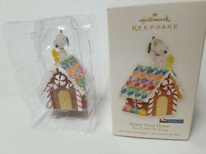 Hallmark Keepsake Ornament The Peanuts Gang Home Sweet Home 2008 NIB Snoopy