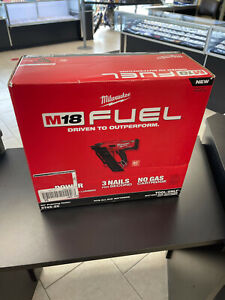 Milwaukee M18 FUEL Cordless 30 Degree Framing Nailer — Tool Only NEW!