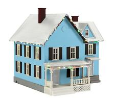 MTH 30-90590 FARM HOUSE WITH CHRISTMAS LED LIGHTS O GA. WHITE ROOF,BLUE,BLACK