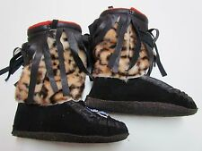 YOUTH NATIVE AMERICAN MUKLUKS - BEAR CLAW BEADING - LINED/RUBBERIZED SOLE - 8 IN