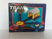 VINTAGE RARE TOMY TRAIN TURNTABLE AND ENGINE SHED