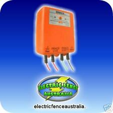 DAKEN ELECTRIC FENCE 12KM BATTERY POWERED ENERGISER