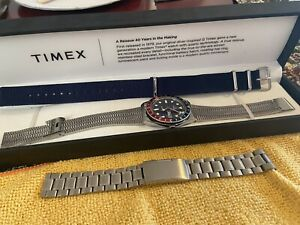 Timex Q Reissue 1979 38mm Stainless Steel Bracelet Beautiful Watch Boxed Nato
