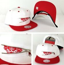 Limited Mitchell & Ness Chicago Bulls Zipper White / Red Snapback Hat Cap