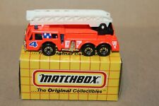 NICE VINTAGE  MATCHBOX  MB18 RED FIRE TRUCK in BOX