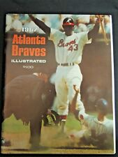 Vintage 1967 Atlanta Braves MLB Illustrated Yearbook With Team Picture Baseball