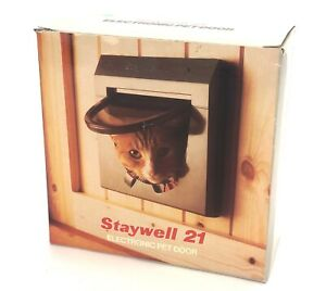 STAYWELL 21 Electronic SmartDoor Cat Door 7x7 locking Flap Door NIB No Collars