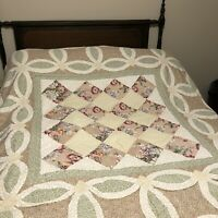"""HAND QUILTED  Vtg 80s Rose Green Tan Floral Wedding Ring Quilt 85"""" x 84"""""""