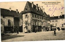CPA   Pont -de-Beauvoisin (Isére) -Place de la République  (241551)
