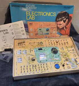 Rare Vintage Waddington's Future Scientist Radio electronics Lab No. 344 Toy