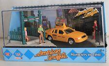 MotorMax American Graffiti, Ford Crown Victoria diorama with figures, 1:64 scale