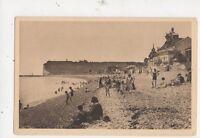 Fecamp La Plage Vintage Postcard France 522a