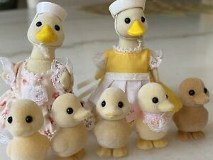 Calico Critters Sylvanian Figures Duck Family Puddleford Set 8 Clothing retired