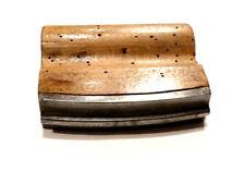 Outil ancien fer de maçonnerie jonc central acier et bois XXème