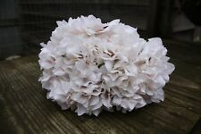 6 x  VINTAGE IVORY SILK HYDRANGEA FLOWERS 9cm LONG WIRED STEMS BOUQUET