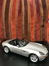 Autoart 1/18 Scale 70511 BMW Z8 Silver 007 James Bond The World Is Not Enough