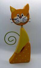 Petit chat en bois, jaune et orange