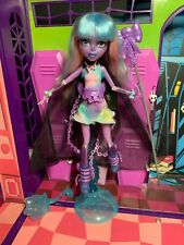 Monster High Doll - River Styxx - Haunted - Complete - Great Condition