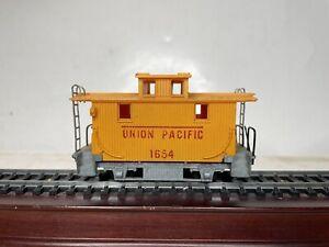 Mantua Ho Scale Model Trains Union Pacific Bobber Caboose No 1654 Train Car