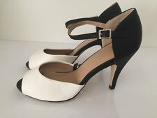 Ladies Black/ White Heeled Open Toe Shoes Size5 New Free Delivery