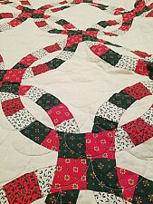 Beautiful quilt with scalloped edge. Perfect for the holiday season and beyond.