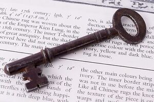 Antique old Iron skeleton key Genuine rare collectible key decorative. G2-248