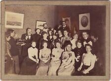 Photo groupe dans un intérieur Mode France Vintage Argentique