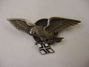 LATVIAN BADGE PRE-WW2 LATVIA SEA AVIATION DIVISION PILOT MILITARY LATVIJA MEDAL