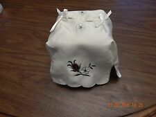 New listing New Beige 100% (Polyester) Artno Embroideried Flower Tissue Box Cover, Cl23038