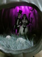 Gemmy Halloween Diorama Lighted Sound Corpse Wedding Bride Pumpkin New 8.5""