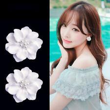 1 Pair 3D Big White Flower Pearl Stud Earrings Alloy Women Fashion Jewelry
