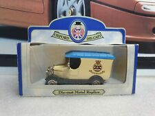 OXFORD DIECAST - BULL NOSE MORRIS - 815 NAVAL AIR SQUADRON - SMALL SCALE MODEL