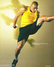 PUBLICITE ADVERTISING 085  2003  NIKE  vetements de sport ROBERTO CARLOS