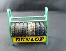 dinky toys GB 786 présentoir de pneus DUNLOP