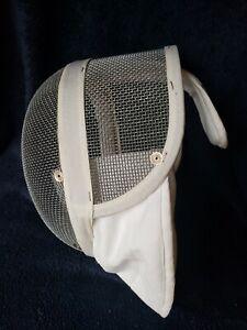Santelli Fencing MaskClassicWhite Equipment Adult