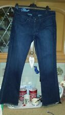 ladies levi   jeans   slightly flared w31 ins L 32ins  vgc