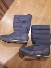 Winter padded boots size 5 Grey Velcro fastening