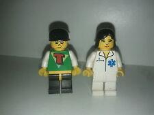lot Minifig lego system city ambulancière + ado (têtes non lego)