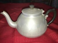 """Vintage TOWER BRAND Aluminum Teapot Dimple Texture 9"""" Long x 5½"""" Made in England"""