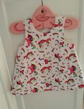 Fait main 3-6 mois bébé fille robe-tablier licornes rainbows tissu blanc