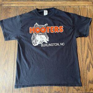 Vintage 90s Hooters Burlington North Carolina T Shirt Men's Sz Med Graphic Black