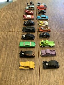 American Flyer type S gauge cars 20 car lot hot rods car show diorama 1:64 Scale