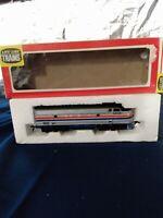 Life Like HO Scale Amtrak F-7 Diesel Locomotive Train Engine #08875