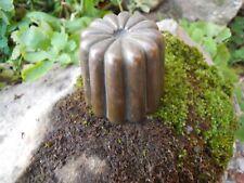 Ancien petit moule à gâteau cannelé en cuivre 19e