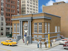 3493 Walthers Cornerstone Public Library / City Hall / Courthouse HO Scale