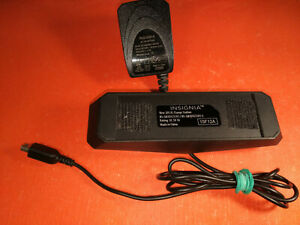 Insignia - Charge Station with adapter NSA6EU-050100 for New Nintendo 3DS XL